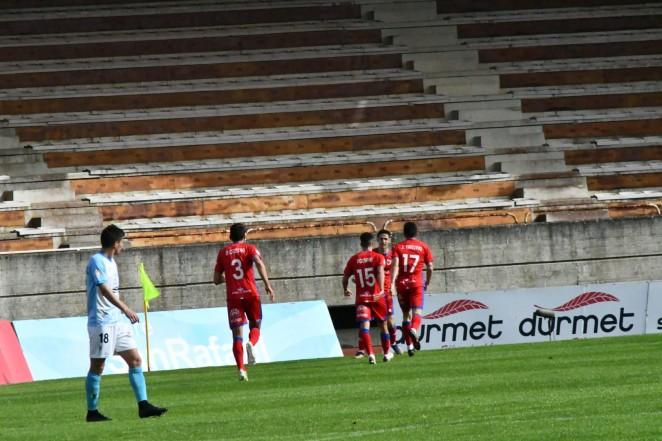 Importante victoria del Numancia en Compostela (1-2)